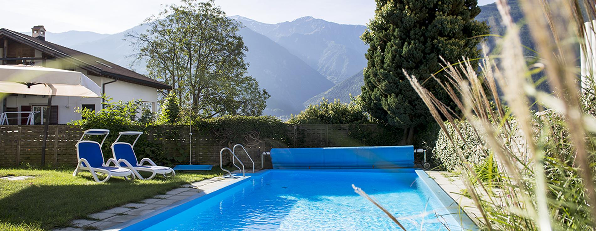 Pension-mit-Schwimmbad-Vinschgau